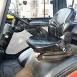 wnętrze wózka widłowego podczas szkolenia