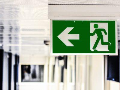 Usługi BHP – jakie zadania BHP można zlecić innej firmie?
